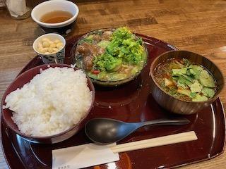1日に必要な野菜がランチで摂れる〜未来食堂
